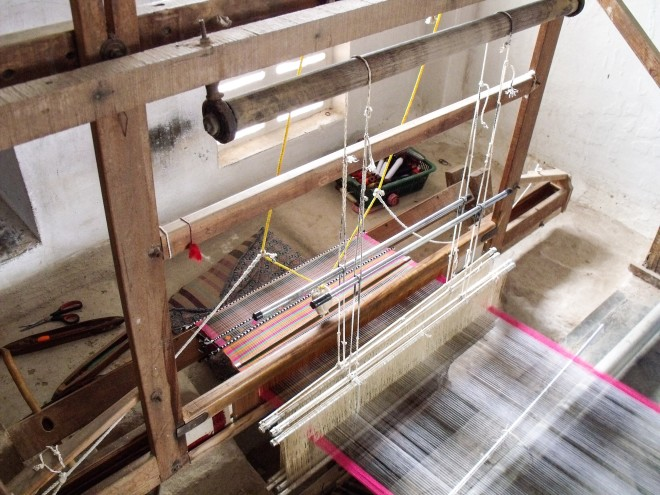 Handloom weaving in India: Bhujodi, Bagalkot and the Rabari