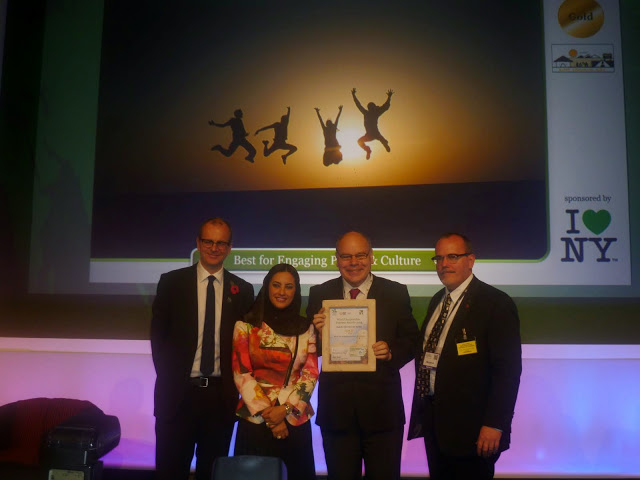 Richard Gordon, Kuldip's UK representative accepting his award from the founder of the Responsible Tourism Awards and her Excellency Maitha Al Mahrouqi, from the Sultanate of Oman Ministry of Tourism - sponsors of the awrd