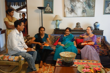 Chatting on the sofa (made with lovely central Asian Ikat cushions) Geeta is in the middle in turquoise sari. To the right is Judy Frater and on the left is Tulsi Pavar, a suf embroidery artisan from Faradi village, Kutch and further left is Mr Hoti, secretary of the Kamatgi village weavers cooperative society in Bagalkot district