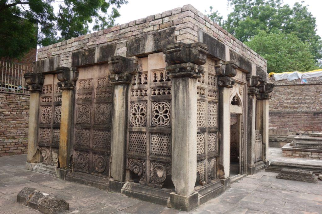 Hazrat Nizamuddin Family Tombs, 15th century
